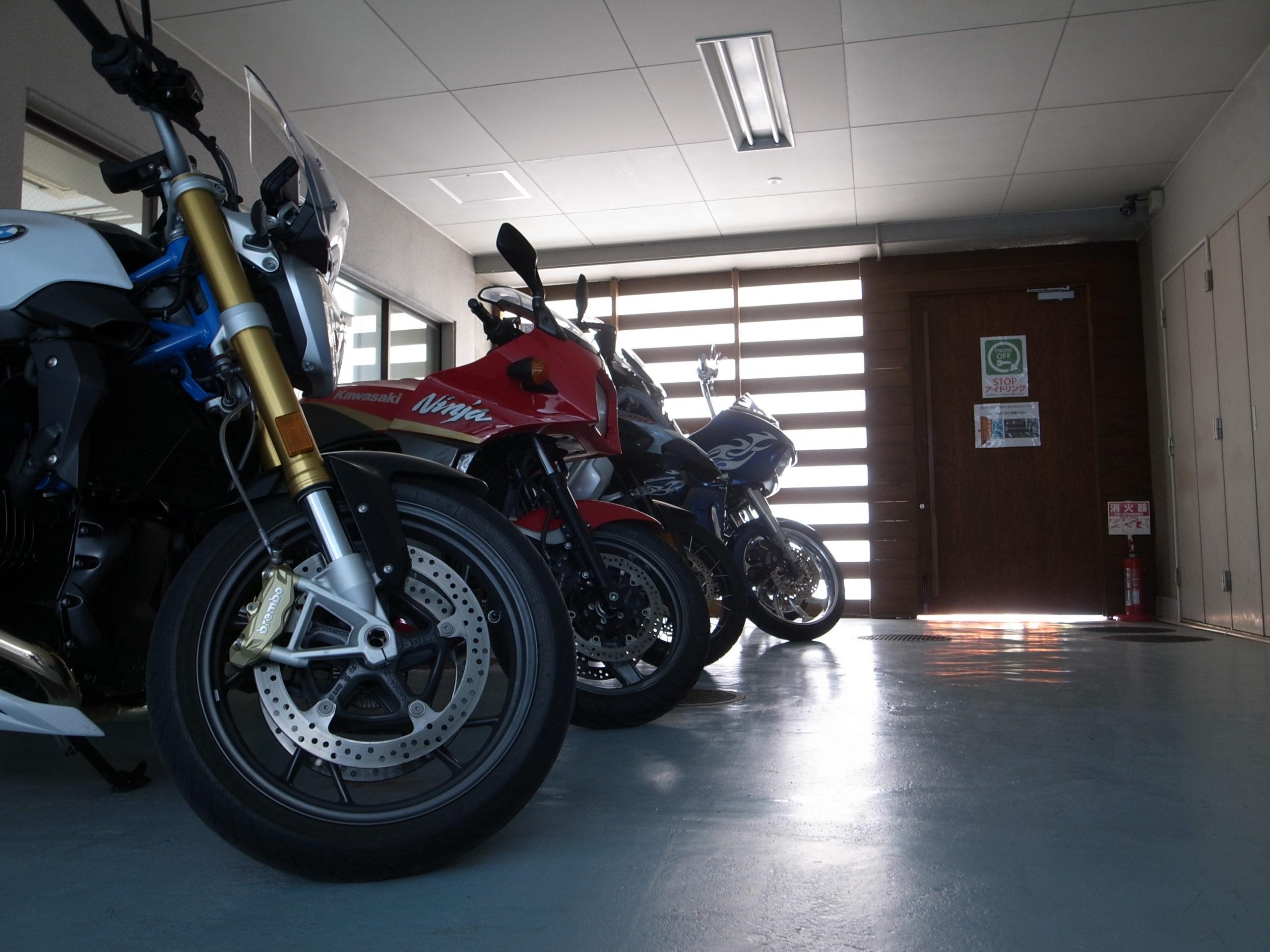 賃貸バイクガレージ