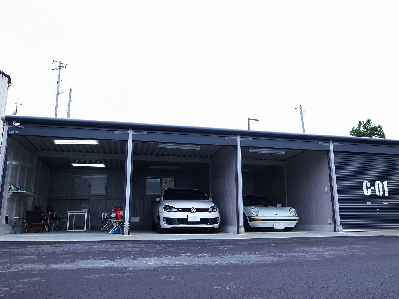 カ―ガレージ外観