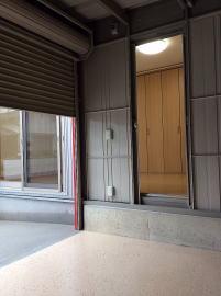 ガレージへの出入口(First Garage B)