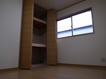 個室(First Garage B)