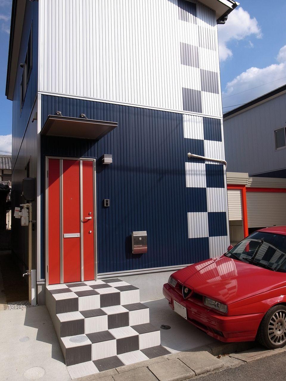 First Garage A正面